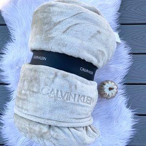 Calvin Klein Fleece blanket